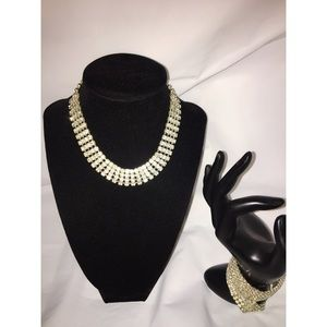 SPARKLY NECKLACE AND BRACELET SET
